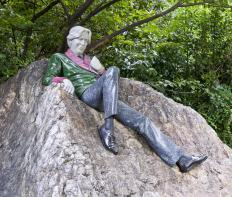 Oscar Wilde was a notable member of the English Decadents.