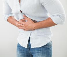 Symptoms of colonic ileus may include abdominal pain, bloating, and cramps.