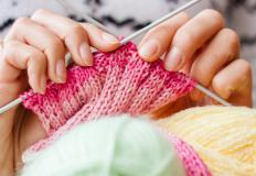 A reversible stitch is ideal for knitting baby blankets.