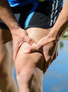 Symptoms of thrombosis may include leg pain.