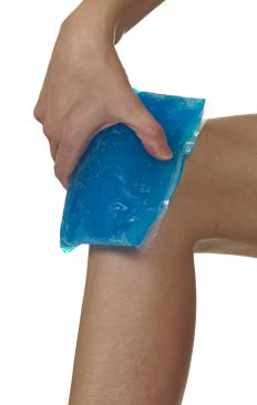 Doctors typically recommend applying an ice pack to the knee after an injury to the tendons, muscles or cartilage.