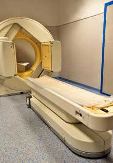 A PET scanner utilizes gamma cameras.