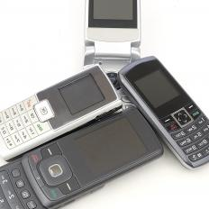 Many older cell phones have two soft keys right under the screen.