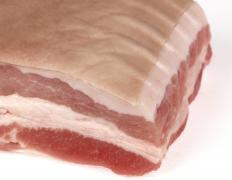 Pork belly is commonly used in liver sausage.