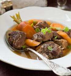Ragout fin uses a variety of meats, depending on the recipe.