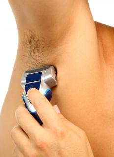 Armpits with long hair should be trimmed first with scissors and then shaven.