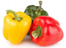 While suya sometimes only consist of meat, vegetables such as bell peppers are also sometimes included.