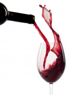 Wine contains flavonoids.