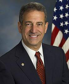 Russell Feingold coauthored an amendment to the Federal Election Campaign Act.