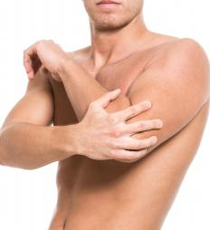 Symptoms of muscular fibrosis may include muscle weakness and fatigue.