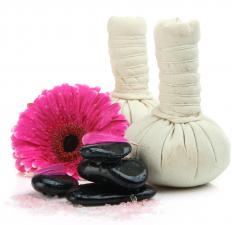 In order to soften the skin, a warm, moist compress can be held on the infected area for a few minutes.