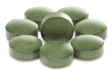 Spirulina contains very little calories, sugar, or starch, and may be found in pill form.