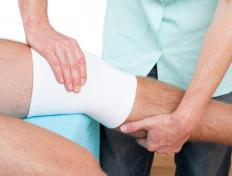 Physical therapy may be beneficial for people suffering from oligoarthritis.