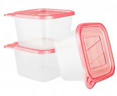 Leftover turkey can be stored in plastic containers to preserve freshness.