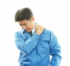 Pinched nerves can cause shoulder numbness.