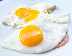 Eggs are a great source of protein for people who are on a vegetarian Atkins diet.