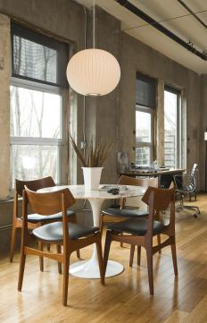 There are many factors that go into choosing a dining room table, including budget, needs, taste and space.
