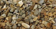 Standard resin-bonded gravel products contain crushed stone.