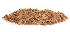 A type of herbal medicine, white willow bark may be effective at treating joint pain, fevers and back pain.