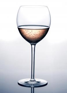 A white wine spritzer is a simple and easy to make mixed drink.