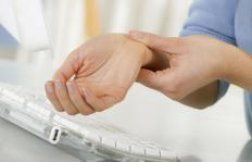 Tinel's sign may help doctors diagnose carpal tunnel syndrome.