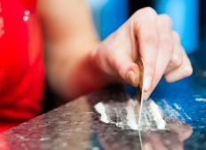 Psychosis linked to cocaine abuse may disappear after a few days if drug use ceases.