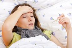 In addition to fever, symptoms of leukocytosis may include fatigue, dizziness, and bruising.