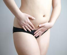 Common symptoms of a thickened womb may include pain in the lower abdomen.