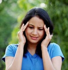A holistic diet may be used to treat migraines.