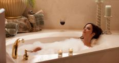 Vaginal swelling may occur as a result of exposure to harsh chemicals in the form of bubble baths.