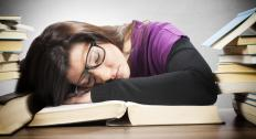 Falling asleep while studying can be an example of inemuri.