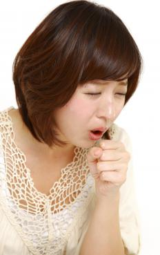 Signs of an allergic reaction to inulin may include coughing.