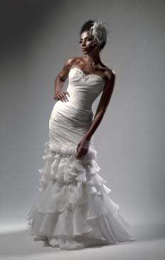 Sweetheart necklines are popular for wedding dresses.