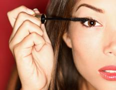 Individual lashes can only be used once, so mascara can be applied to them.