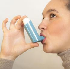 Salbutamol, which dilates and relaxes the airway, is commonly used in a rescue inhaler.