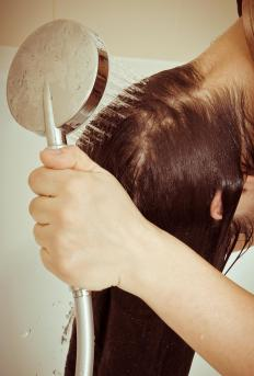 Using deep conditioning treatments can help keep hair in good shape, allowing it to grow longer.