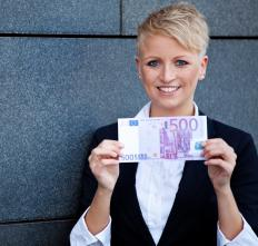 The euro is different from Eurocurrency, which refers to money deposited in foreign banks outside a country.
