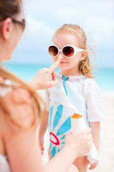 Regular use of sunscreen is encouraged for children with a halo nevus.