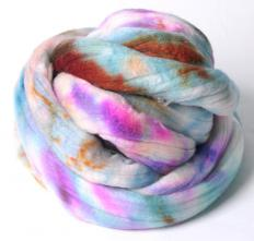 Wool that is clumped and then twisted to hold the fibers together is referred to as a wool roving.