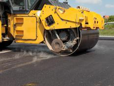Drum compactors are used to smooth and compress the surface of roads and other asphalted areas.