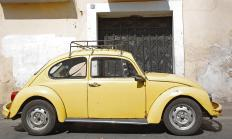 Original Volkswagen Beetles were equipped with flat engines.