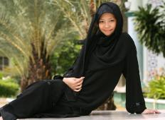 Jilbabs come in a variety of styles and fabrics.