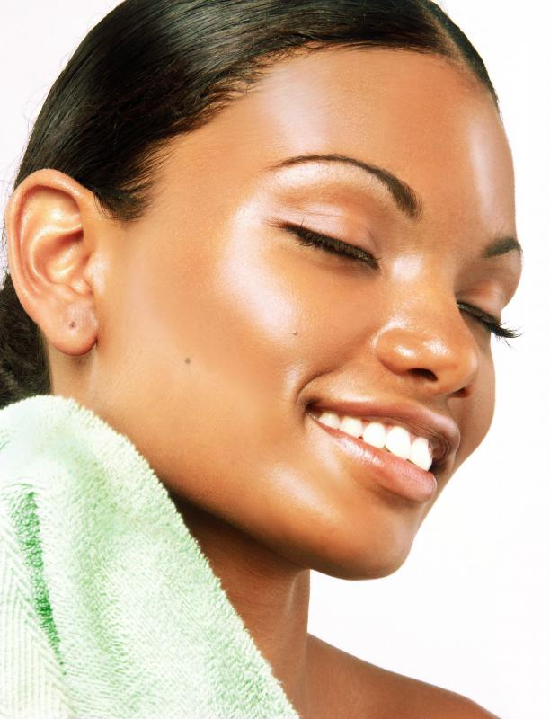 All skin care creams should be selected based on skin type, whether it's dry, normal, or oily.