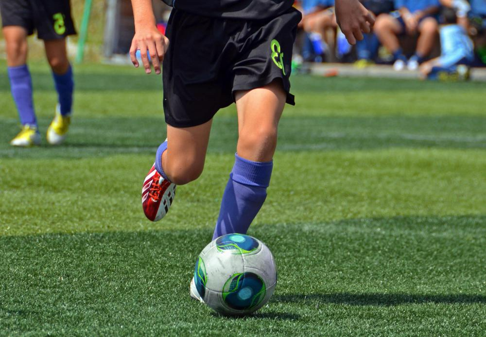People who play sports are susceptible to developing hip injuries.