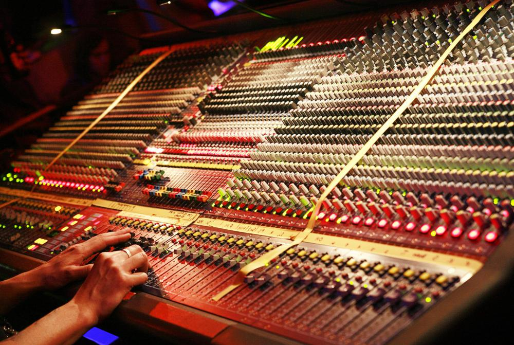 What Is A Sound Technician With Pictures