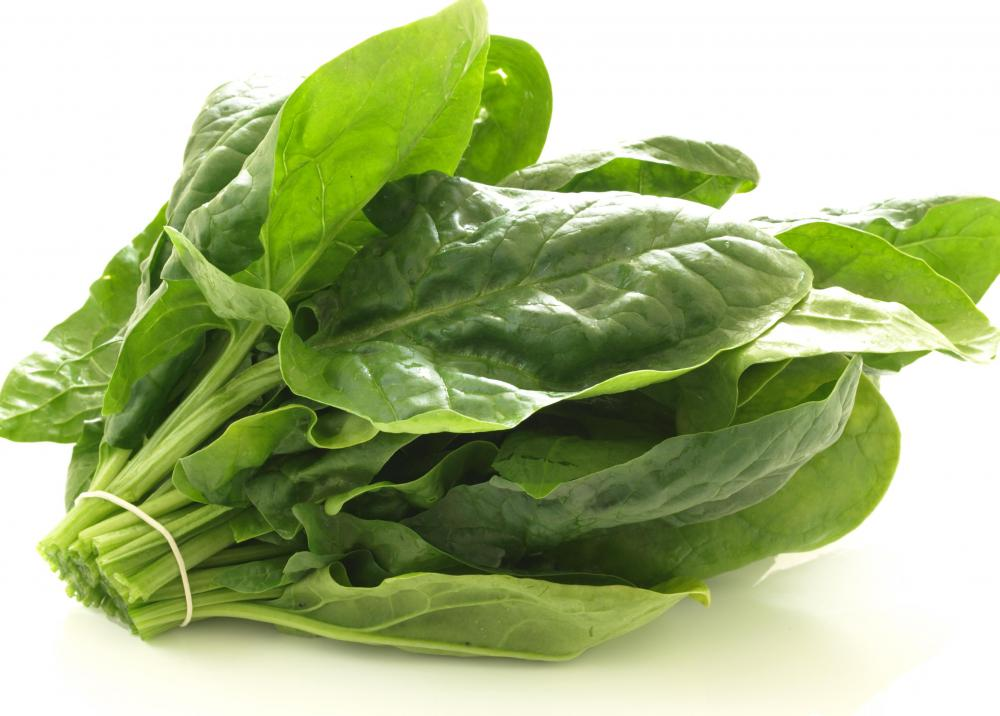 Spinach is rich in vitamins A and C and minerals such as manganese, iron and potassium.