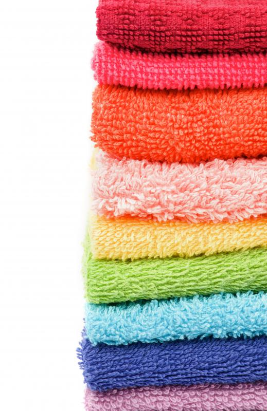 Bath towels come in many different sizes, colors, styles, and materials.