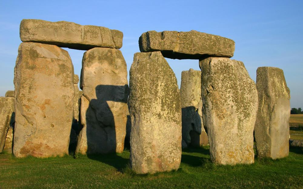 Many archaeologists theorize that stonehenge was built from 2950 to 2900 BCE.