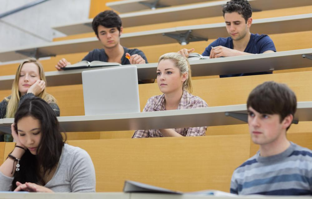 Advantages of attending a community college essay