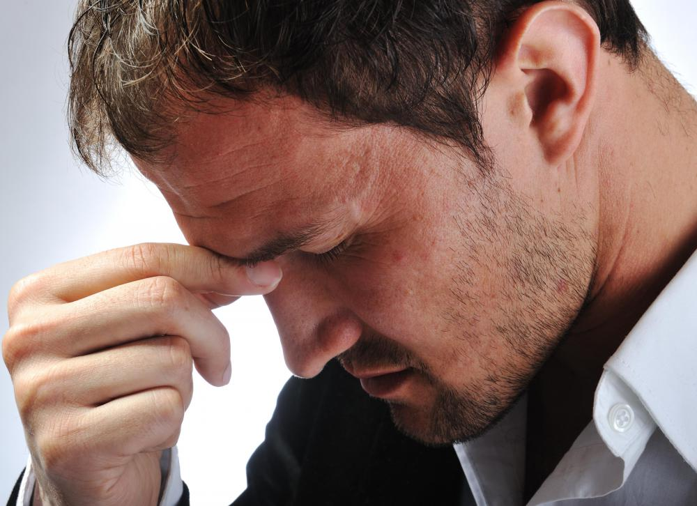 Having a headache is one of the symptoms of sunstroke.